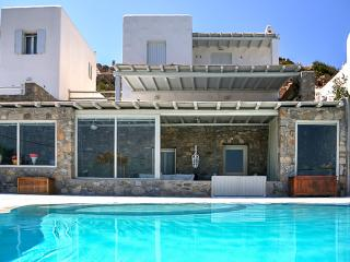 Pool relaxation with Mykonos views - Ornos vacation rentals