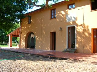 Appartamento Uliveto: relax in Tuscany - Forcoli vacation rentals