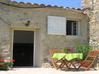 11.541 - Town house in Roq... - Roquefort-des-Corbieres vacation rentals