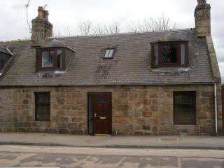 2 bedroom Cottage with Internet Access in Inverurie - Inverurie vacation rentals