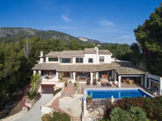 Lovely 6 bedroom Villa in Bendinat - Bendinat vacation rentals