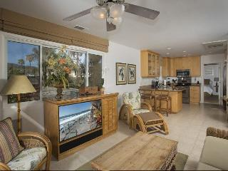 1 Bdrm- steps to awesome view decks, private access to beach. - Laguna Beach vacation rentals