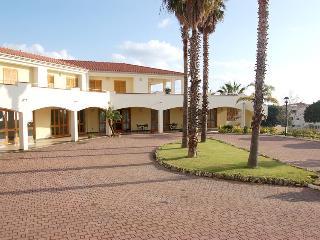 Casa Vacanza- Antigua Residence - Bonifati vacation rentals