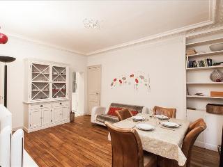 Elegant&sunny 2bdr in Mouffetard - 11th Arrondissement Popincourt vacation rentals