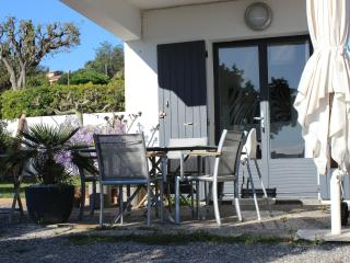 Appartement 1 chambre piscine & barbecue - Cavalaire-Sur-Mer vacation rentals