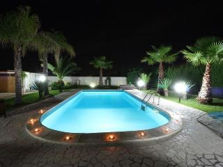 Bright 4 bedroom Villa in Parabita - Parabita vacation rentals