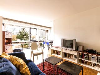 Bright Condo with Internet Access and Television - Vanves vacation rentals