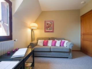 1 bedroom House with Internet Access in Bezenac - Bezenac vacation rentals