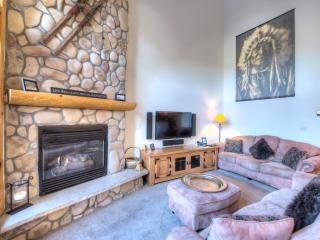 Luxury 5 Bed *Great Location* Town/Ski Lift/Pool - Breckenridge vacation rentals