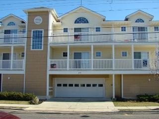 3 bedroom Apartment with Internet Access in Wildwood - Wildwood vacation rentals