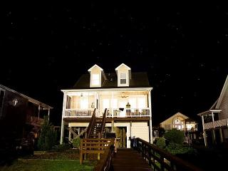 Holden Beach Waterway Island Home; Sleeps 10 - Holden Beach vacation rentals
