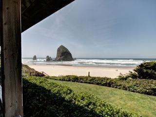 Perfect 3 bedroom House in Cannon Beach with Internet Access - Cannon Beach vacation rentals