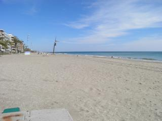 Cozy 3 bedroom Calafell Condo with Washing Machine - Calafell vacation rentals