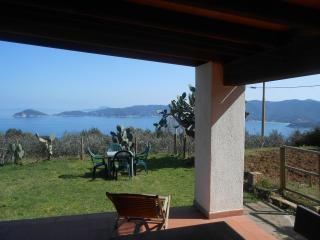 Cote Tonda 2 (posti 4) Agriturismo Panoramico - Marciana Marina vacation rentals