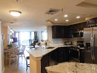 Beautiful Condo with Internet Access and A/C - Hutchinson Island vacation rentals