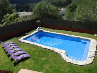 Villa El Olivo 10 min. Sitges.  Exterieur Ideal. Piscine XXL 10*6. Chill, Porche - Olivella vacation rentals