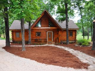 2 Master Suite All Wood Cabin nearBranson SPECIALS - Branson vacation rentals