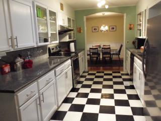 Lovely House with Dishwasher and A/C - Hot Springs vacation rentals