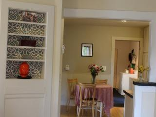 Lovely Springfield House rental with Dishwasher - Springfield vacation rentals