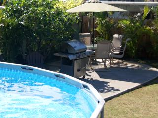 Island Home 9bd 5 bth w/pool close to beach - Kailua vacation rentals