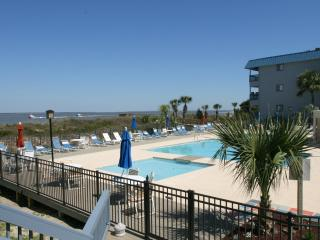 Seaduced - King bed - Sleeps 2 - Tybee Island vacation rentals