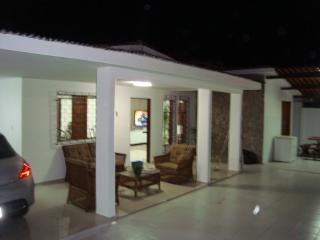 Casa luxo 5/4 com ar, 500 m da praia de Jatiuca - Maceio vacation rentals
