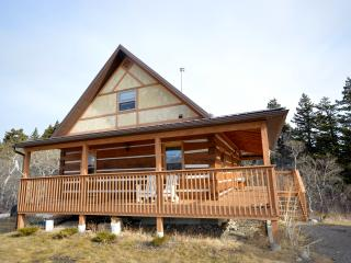 Perfect 3 bedroom Crowsnest Pass Cabin with Internet Access - Crowsnest Pass vacation rentals