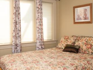 THE FARMER SUITE with 2 bedrooms @ ACANTHUS SUITES - Friday Harbor vacation rentals