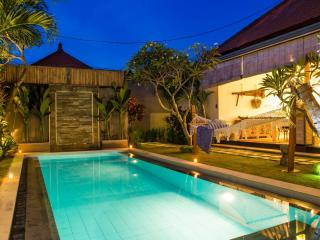 FREE CHEF - Umalas Retreat 3, (2 bed villa) - Seminyak vacation rentals