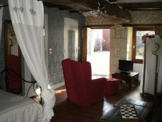 Nice Bed and Breakfast with Internet Access and Satellite Or Cable TV - Berrie vacation rentals