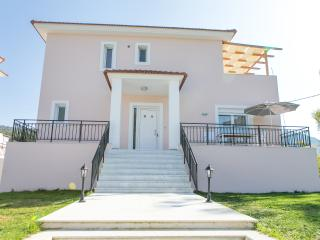Perfect House with Central Heating and Television - Maritsa vacation rentals