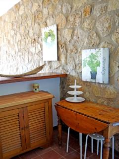 Appartamento immerso nella natura con vista - Piano di Mommio vacation rentals