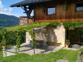"Cottage ""The hill of the sun"" - Verchaix vacation rentals"