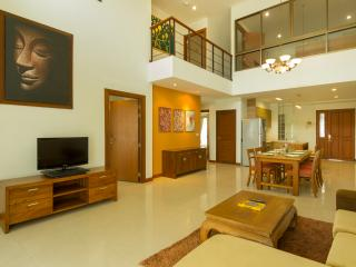 Family 4 Bedroom Suite - 2 - Bangkok vacation rentals