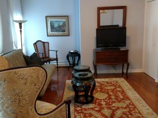 Elegant Victorian/Asian decor Apt. in Waterfront - Kingston vacation rentals