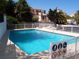 0043-MARISA Apartamento con piscina comunitaria - Empuriabrava vacation rentals