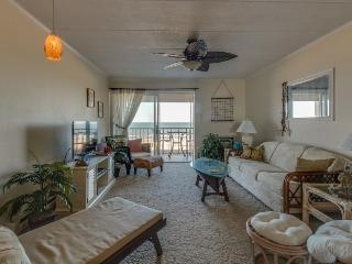 Oceanfront beach condo w/ shared pool. Walk to Delaware! - Ocean City vacation rentals