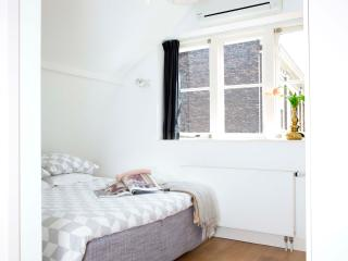 Charming Utrecht Studio rental with Dishwasher - Utrecht vacation rentals