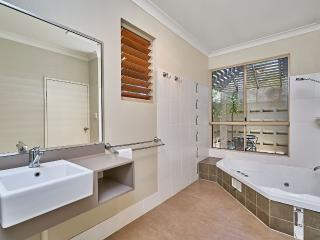 Romantic 1 bedroom Villa in Yungaburra - Yungaburra vacation rentals