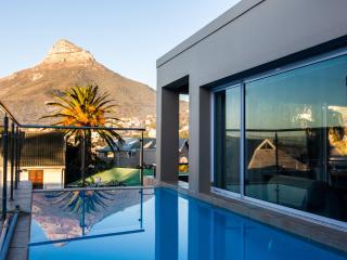 Spacious 4 bedroom Villa in Camps Bay - Camps Bay vacation rentals