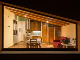 Il Pollaio - casa nell'Appennino Umbro Marchigiano - Fossato di Vico vacation rentals