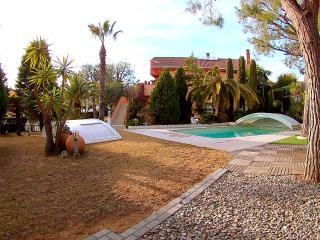VILLA AMPARO Gran jardin !!!! Junto al Mar - Calafell vacation rentals