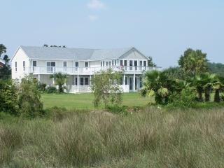 Bright House in Jacksonville with Dishwasher, sleeps 14 - Jacksonville vacation rentals