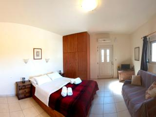 OSTRIA Studio, 100m from the beach - Heraklion vacation rentals