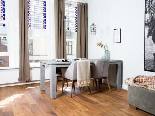 City Goose Apartment - Utrecht vacation rentals
