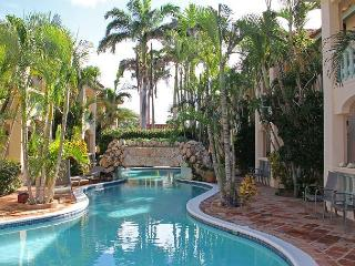 Spacious 1-bedroom apt. near Marriott, Ritz C and Beaches - Palm Beach vacation rentals