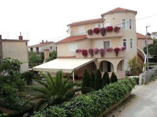 Villa Ines. apartment 50m2, Garden,Babeque,Terace - Pirovac vacation rentals