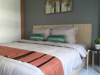 Phuket Condo for rent 1 Bedroom/Kitchen area - Kathu vacation rentals