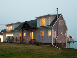 A Surfers Dream - Custom Built Timber Frame Ocean - Halifax vacation rentals