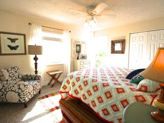 Casa Van Lopik (Canal) – In Siesta Village just 1.5 blocks to the best beaches! - Siesta Key vacation rentals